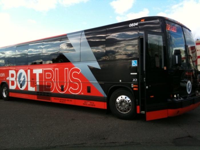 Bolt Bus. 생각보다 버스가 괜찮습니다.