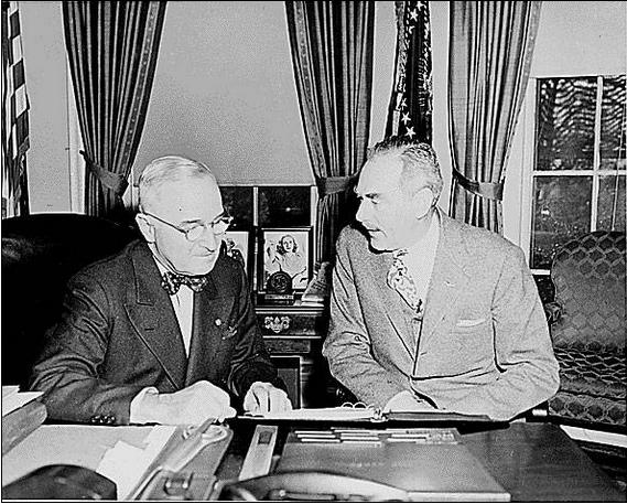 트루먼대통령(왼쪽)과 딘 애치슨 국무장관(트루먼라이브러리)