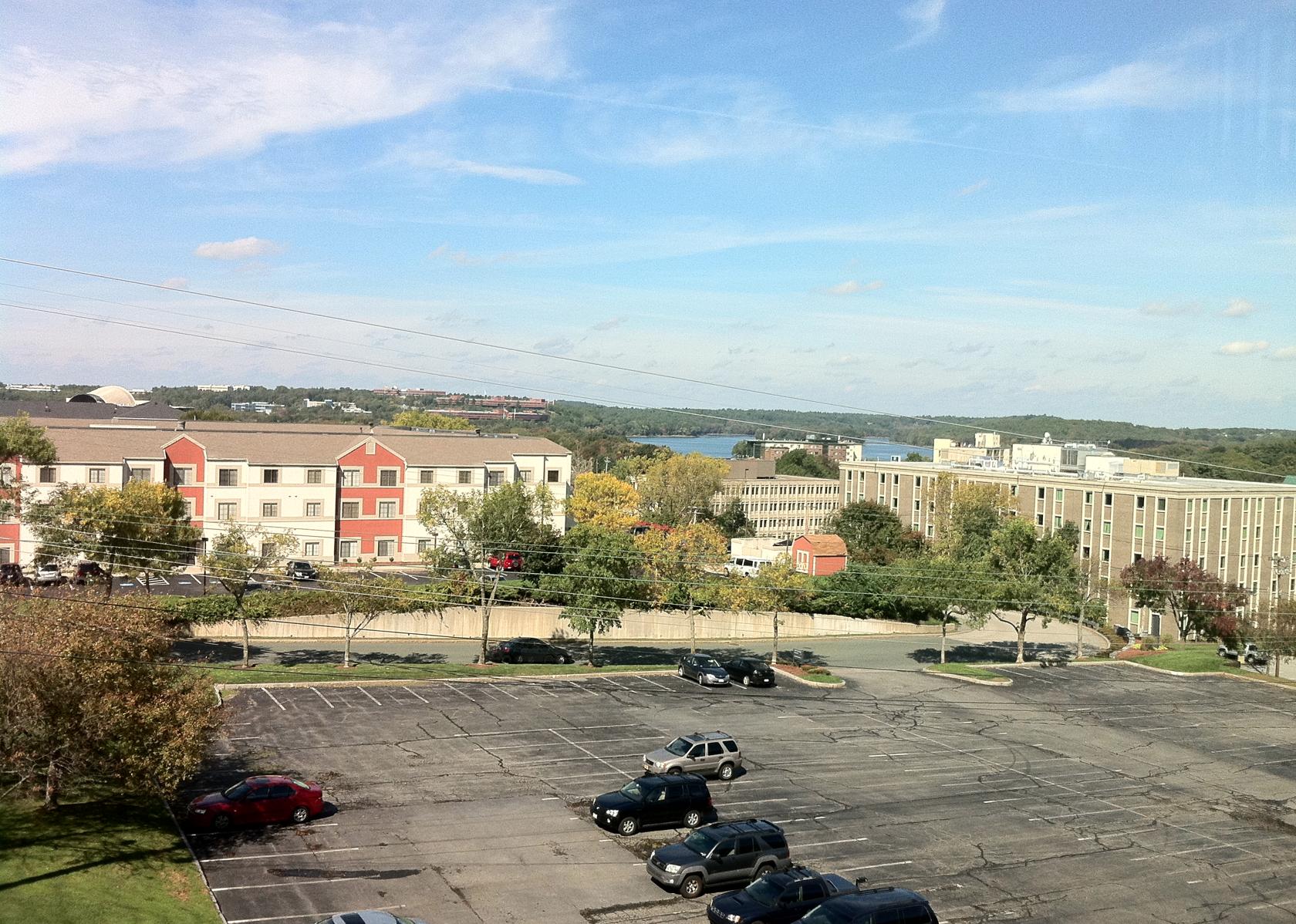보스턴 근교 라이코스사무실에서 본 바깥 정경. 이 풍경을 3년동안 매일 봤었다.